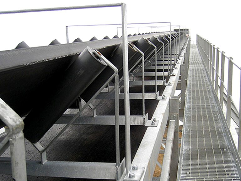 Ship unloading conveyor system / Installed at Cliffe Marine Wharfe
