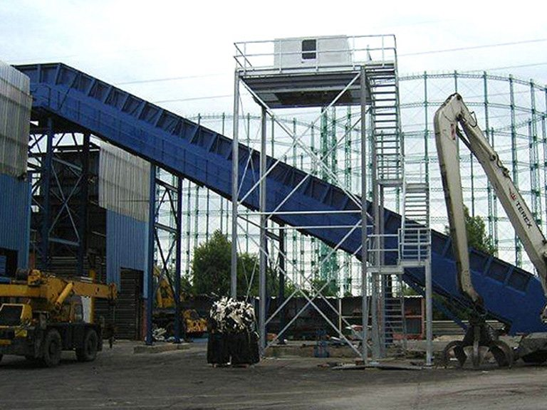 New Primary In-feed Conveyor for fragmentizing and recycling system