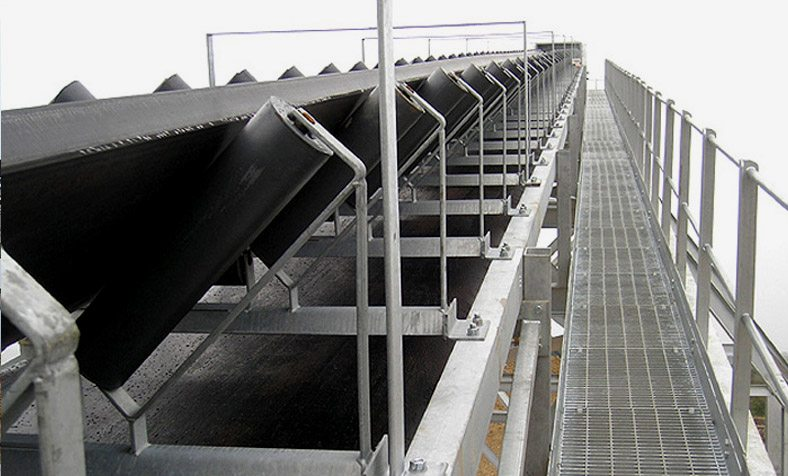 This Record Breaking Stockpile Conveyor is Fully Galvanised and delivers 3500 tonnes of sea dredged material every hour